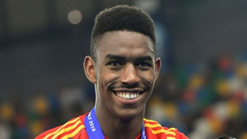 Barcelona sign Junior Firpo in €18m deal from Real Betis